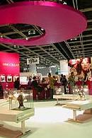 ワールドブティックフェアー2004香港にも出展されました。