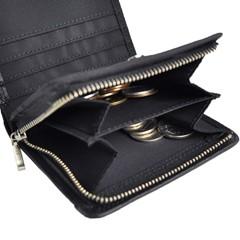 タフ(TOUGH)の折り財布