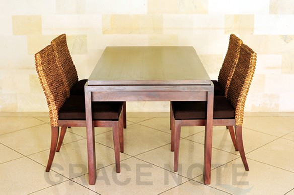 アジアン家具:ダイニングチェアー とテーブル width=