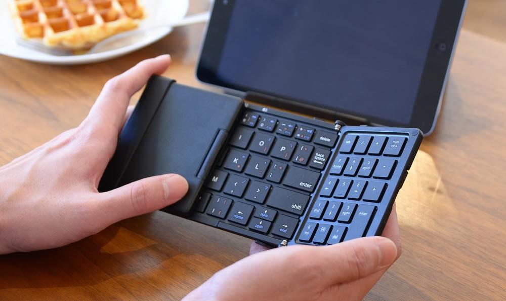 折りたたみ式ワイヤレスキーボード TRI 10key+