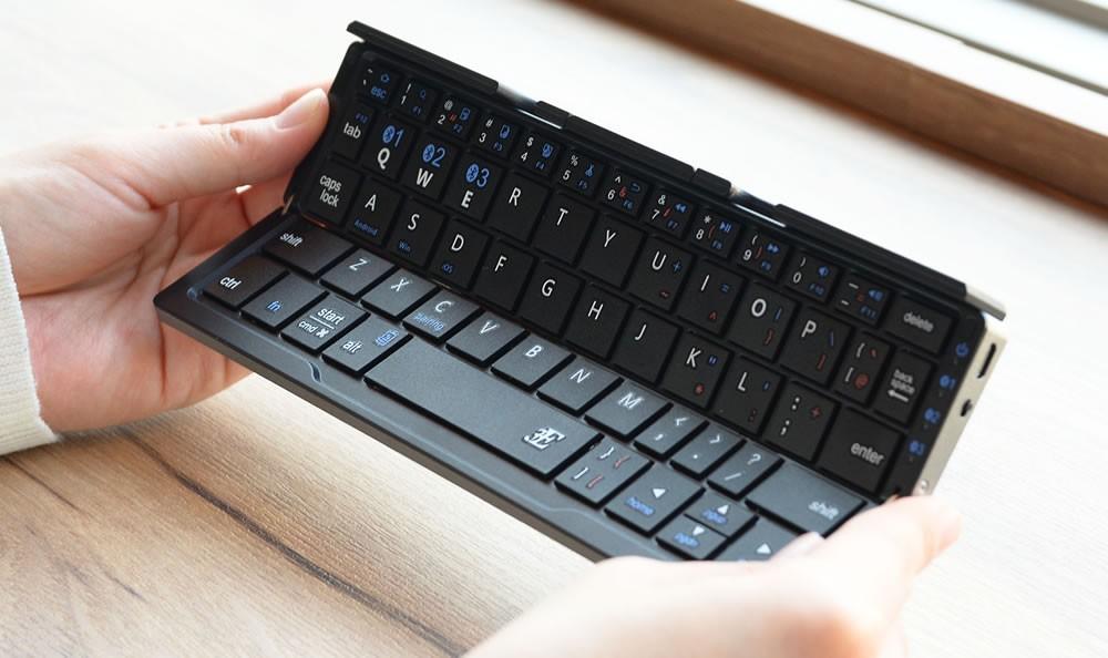 ワイヤレスキーボード TRI Slim