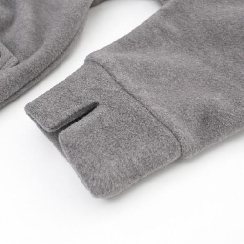 家事の時などにたくし上げやすいスリット入りの袖口