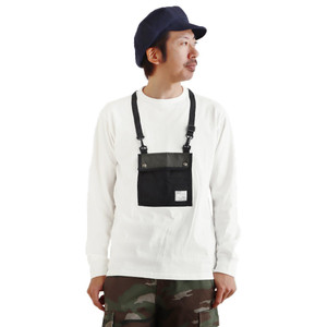 Tシャツ ティーシャツ 長袖 ロンT クルーネック『リアル サコッシュ モチーフ』 綿100% 重ね着 レイヤード 手ぶら メンズ レディース  grn|PATY