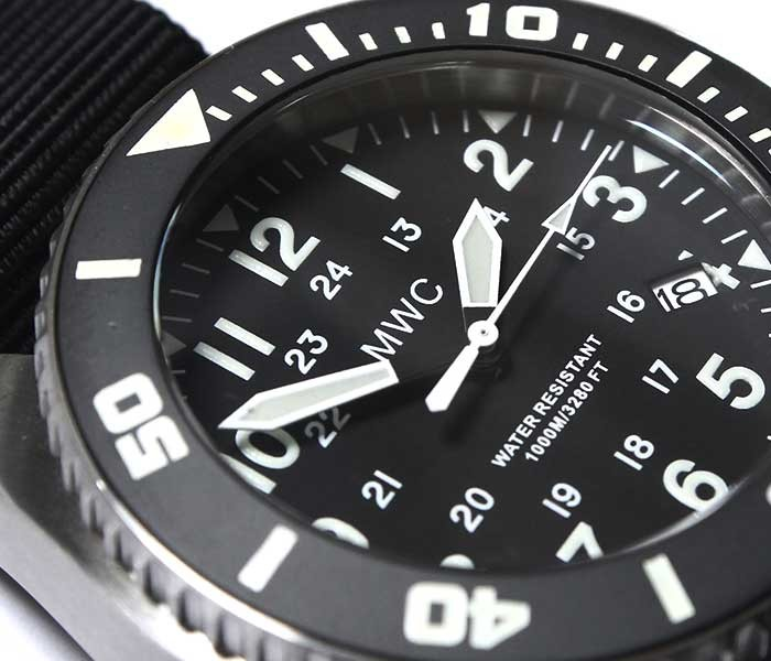 MWC Military Watch Company ドイツ製 ミリタリーウォッチ 腕時計 デプスマスター ディープダイバー 自動巻き 24時間表示 1000m防水 100ATM/1224/SS/AUT MWC Special Diver Watch Depthmaster Military Divers Watch (100ATM-1224-SS-AUT)