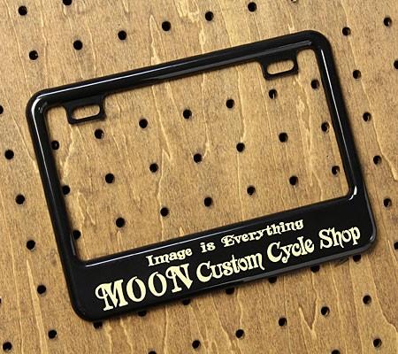 ナンバープレートフレーム(ナンバーフレーム) バイク用(原付50-125cc) ムーンアイズ(MOONEYES) ブラック Custom Cycle Shop