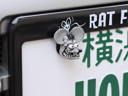 ラットフィンク(RAT FINK) ナンバープレートボルト(ライセンスボルト) 2個セット グレーの使用例