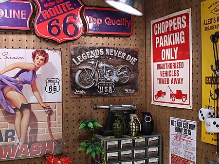 アメリカンインテリアプレート アメリカンバイク LEGENDS NEVER DIEの使用例
