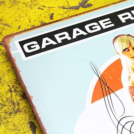 アメリカンインテリアプレート ピンナップガール GARAGE RULES サイズSのアップ