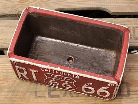 プランター 植木鉢 アメリカン アンティーク調 ルート66 ROUTE66 レクト レッドの底面