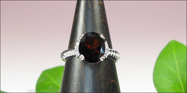 ガーネット・プラチナリング・ダイヤモンド・指輪