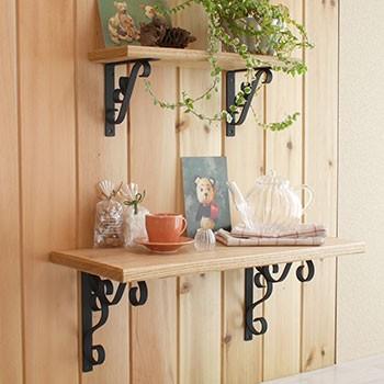 アイアン棚受け 花模様のおしゃれなアイアン雑貨 棚受け ブラケット金具 黒のコーディネート画像