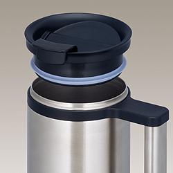 サーモス・真空断熱保温オフィスマグの飲み口とフタは簡単に外せて丸洗いでき、とっても衛生的。