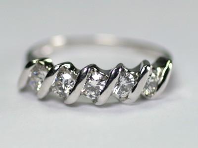 K18ホワイトゴールド ダイヤモンド リング