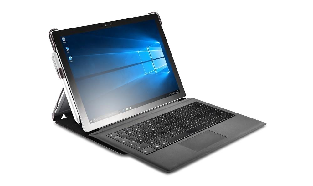 Microsoft SurfacePro4専用のクロコダイル柄レザーケースのキーボード使用イメージ