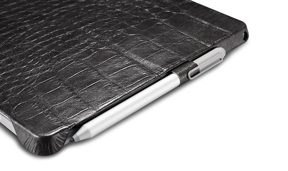 Microsoft SurfacePro4用のクロコ柄レザーケースのペンホルダー