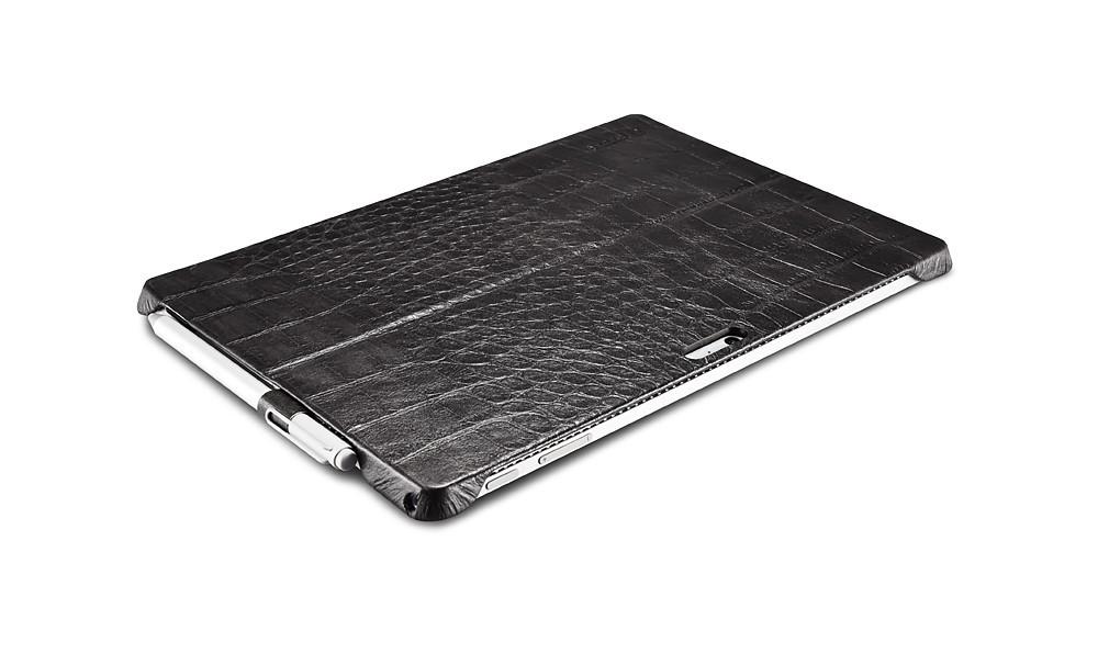 Microsoft SurfacePro4用のクロコ柄レザーケースの裏側2