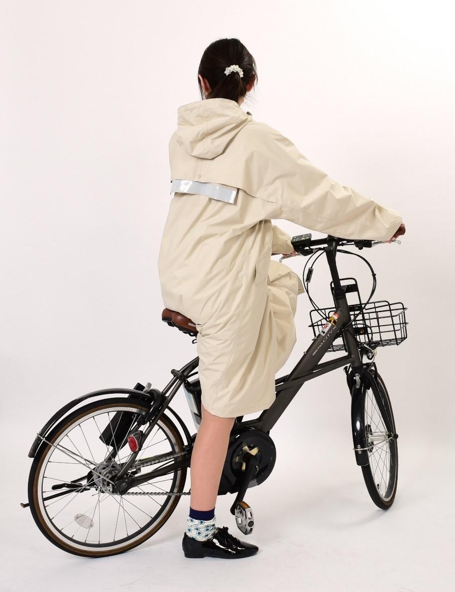 後ろ自転車