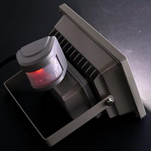 センサー付き投光器20W