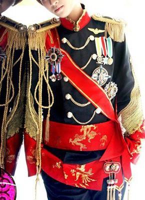 軍服のコスプレ衣装