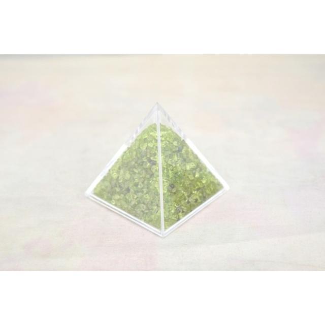天然石チップ さざれ石 ピラミッド型ケース 5cm 選べる四種類 ryu 03