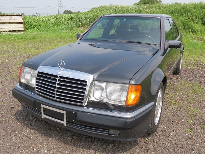 W124  E500 が総点検され、コツコツと整備