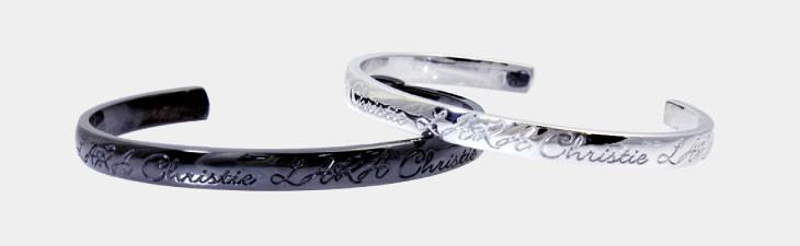 ブランド LARA Christie(ララクリスティー)のロマンス ペア バングルの正面画像。
