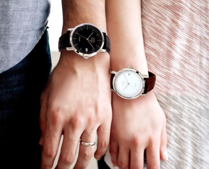 ブランド LARA Christie(ララクリスティー)のグレース 腕時計 ペア ウォッチの着用画像。