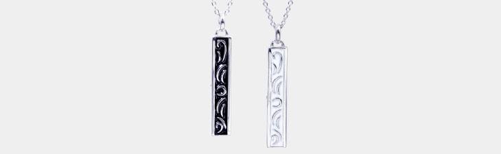 ブランド LARA Christie(ララクリスティー)のセイントグラス ダイヤモンド ペア ネックレスの全体像。