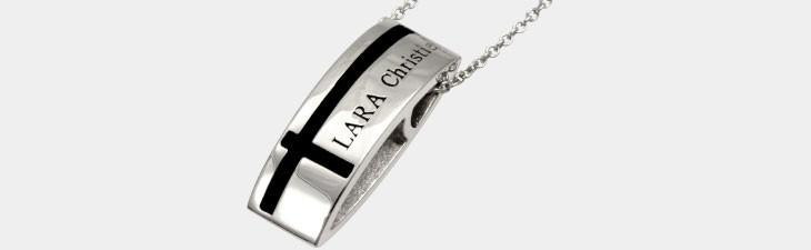 ブランド LARA Christie(ララクリスティー)のマリン クロス ネックレス(ブラックレーベル)の全体像。