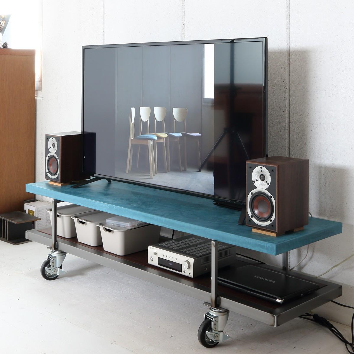 耐荷重十分な性能のテレビボード