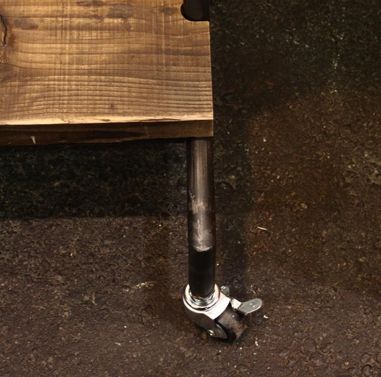 ストッパーが付いてるから固定も安心コートハンガー古材家具