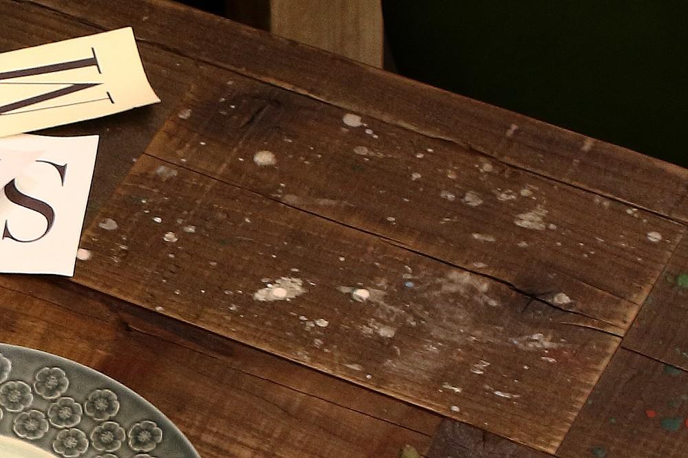 ペンキ少多め 古材板 足場板の建築現場でついたペンキ