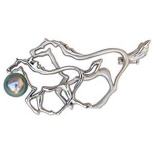 午ブローチ パールブローチ 馬ブローチ  干支ブローチ ホワイトホース 白馬