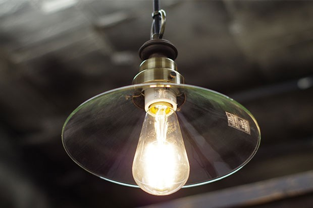 アンティーク調のガラスペンダントライト【後藤照明 Virgo】です。