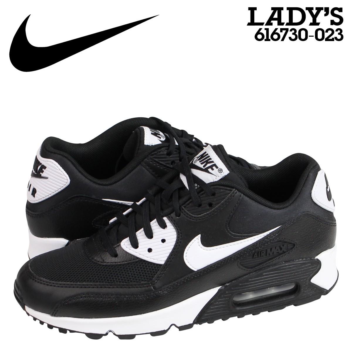 ナイキ (Nike) は、アメリカ・オレゴン州に本社を置く、スニーカーやスポーツウェアなどスポーツ関連商品を扱う世界的企業。1968年設立。  ニューヨーク証券取引所に ...