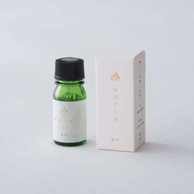 日本のエッセンシャルオイル青森ヒバの香り