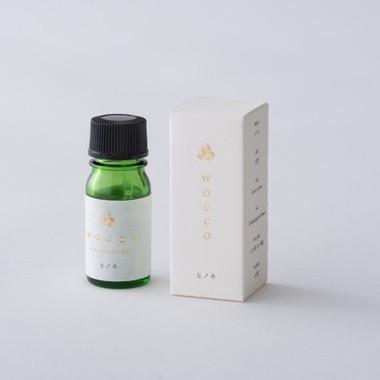 日本のエッセンシャルオイルヒノキの香り