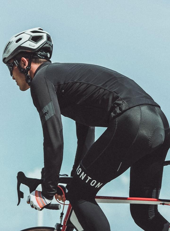 サイクリングジャケット