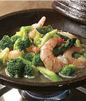 海老とブロッコリーのあっさり炒め。