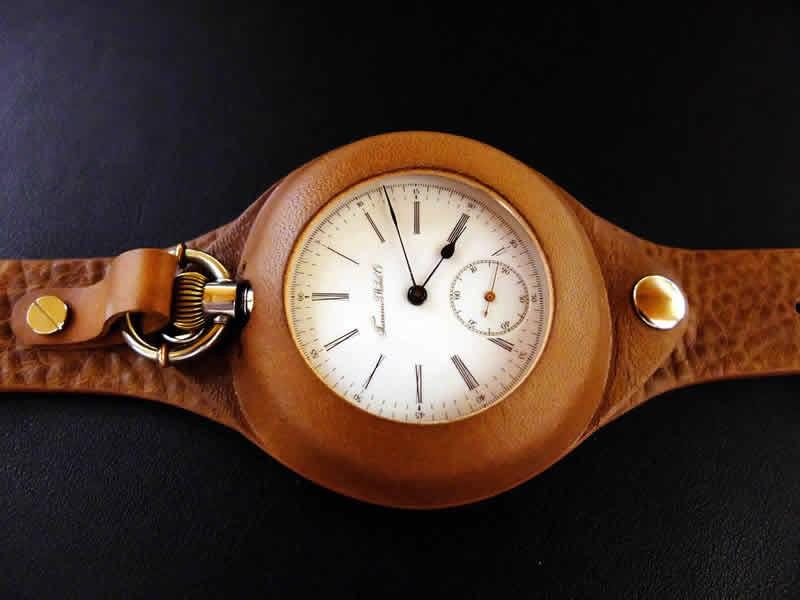 ポケットウォッチ 腕時計革ベルト キャメル をお買い上げいただきましたN様からお写真をいただきました。