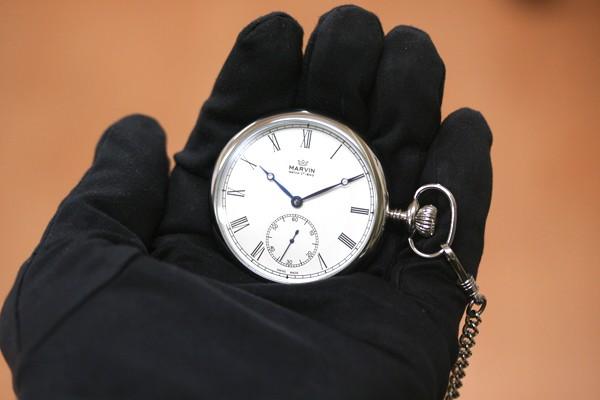 正美堂 マーヴィン オリジナル懐中時計 存在感のある大きさ