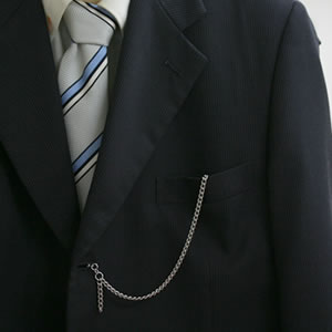 スーツにも似合うラポート懐中時計