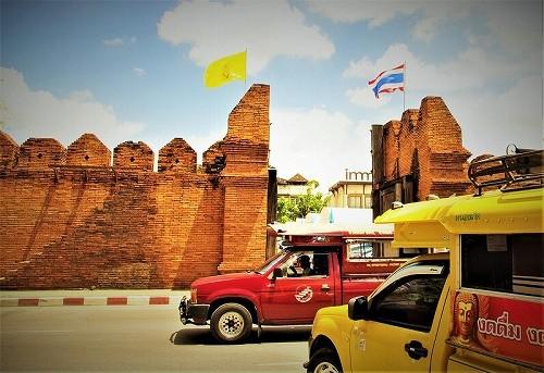 タイ・チェンマイのソンテウの写真