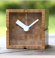 竹のキューブ時計