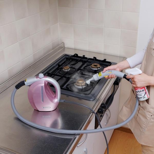 アイリスオーヤマ コンパクトスチームクリーナー STP-101N ピンク 掃除シーン