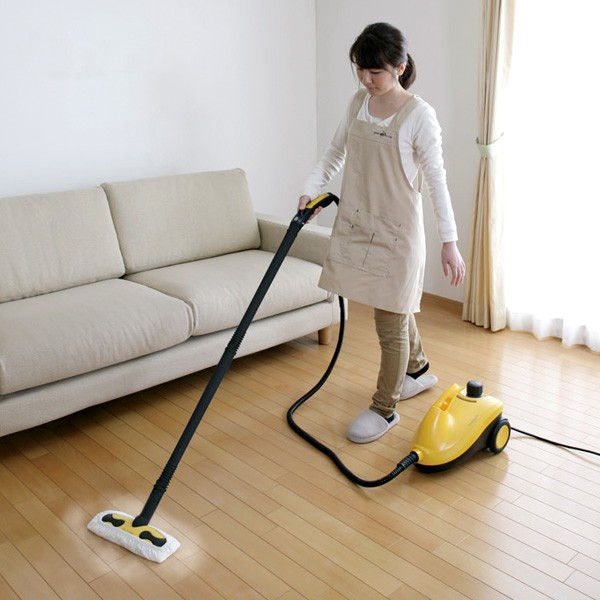 アイリスオーヤマ スチームクリーナー STM-410N イエロー 掃除シーン