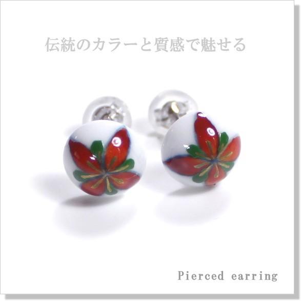 伝統の赤絵花紋ピアス