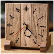 木肌の温もりを感じる手づくりの木製置時計 贈り物にいかが?【受注生産】