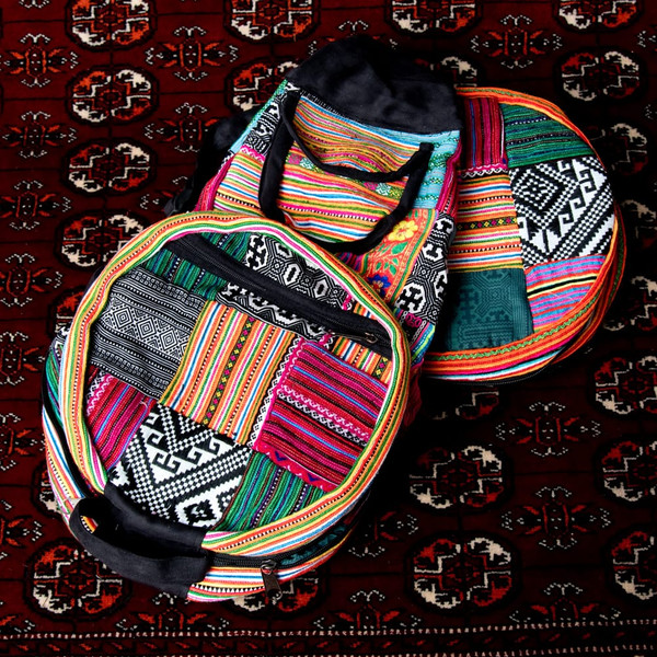 モン族刺繍 まんまる折りたたみ式2Wayトラベルバッグ / ショルダーバッグ レビューでタイカレープレゼント|tirakita-shop|24