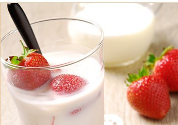 苺ジンジャーシロップ 苺ミルク